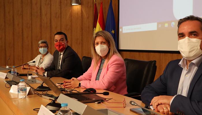 """La Junta persigue la igualdad efectiva de género en el medio rural, con el Estatuto de las Mujeres Rurales como """"bandera"""""""
